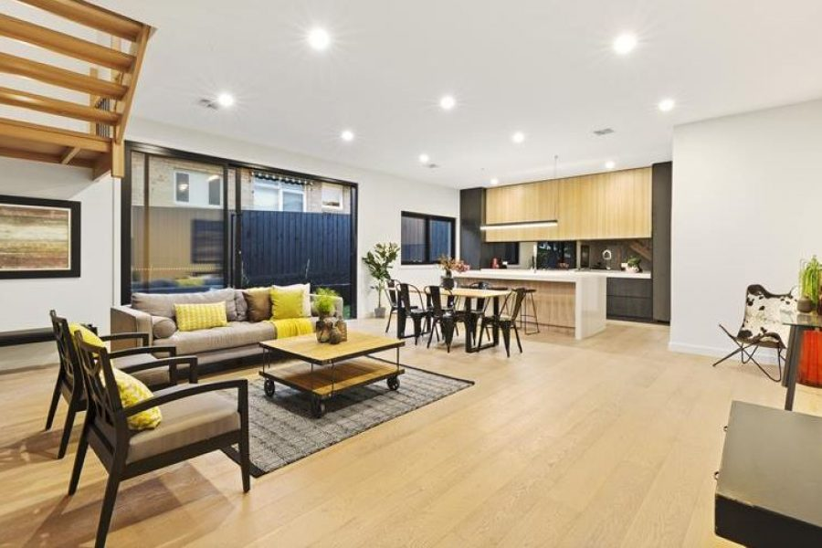 Bentleigh East Townhouse For Sale