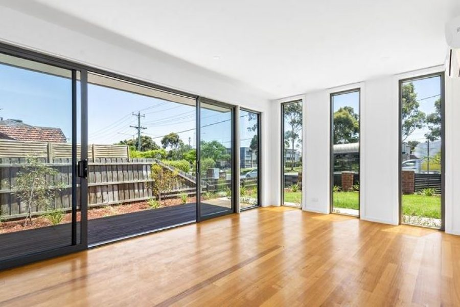 Oakleigh South Townhouse For Sale